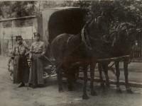 Brotfahrerinnen Ankerbrot, 1920er (Foto: Archiv Bezirksmuseum Favoriten)