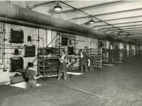 Dampfbackofen in der Ankerbrotfabrik - 1950er Jahre (Foto: Archiv Bezirksmuseum Favoriten)